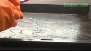 видео Как отмыть фильтр кухонной вытяжки от жира готовыми и домашними средствами