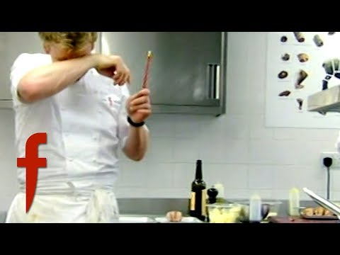 Amateur Chef Nearly BLINDS GORDON RAMSAY