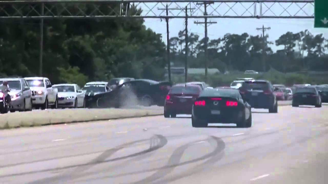 3 Ford Mustang Drifting Fails One After Anothe - YouTube