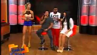 Sheyla Rojas y la Mamacha imitaron el sensual baile de Charito thumbnail