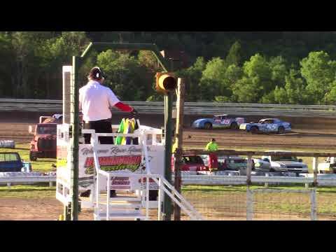 Hummingbird Speedway (7-7-18): Sunny 106.5 FM Pure Stock Heat Race #2
