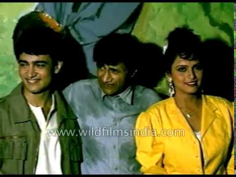 Dev Anand with Aamir Khan on film set