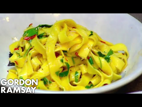 Gordon Ramsay's Fast Food: Crab & Chilli Pasta