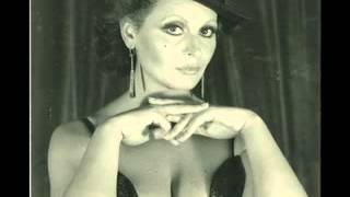 Angela Luce canta Tiempe belle