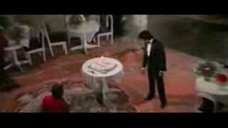Amitabh Bachaan sings Inteha Ho Gai Intezar Ki from Shaarabi