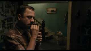 фильм Третий лишний , фрагмент с дикими танцами Giovanni Ribisi