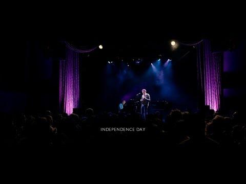 Chris Thile & Brad Mehldau - Independence Day (Live)