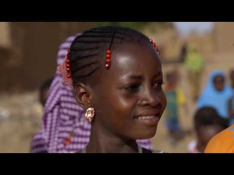 Une journée avec Latifa au Niger on YouTube