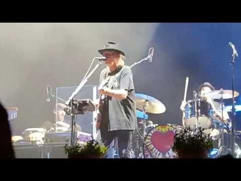 Neil Young : Like a Hurricane - live in Leipzig 20.07.2016