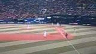 2008.4.11 横浜スタジアムで行われた横浜×阪神戦。金本知憲選手は通算20...
