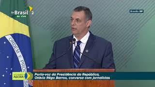 O Porta-voz da Presidência da República, Otávio Rêgo Barros, fala com jornalistas