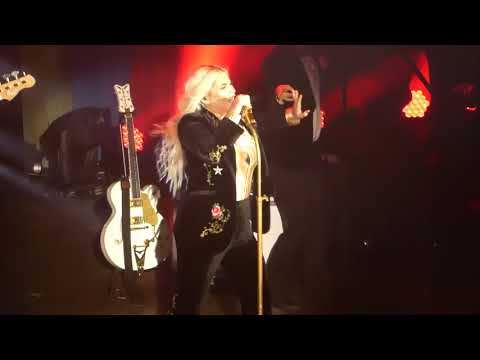 """Woman & Boogie Feet"" Kesha@The Fillmore Silver Spring, Md 10/6/17"