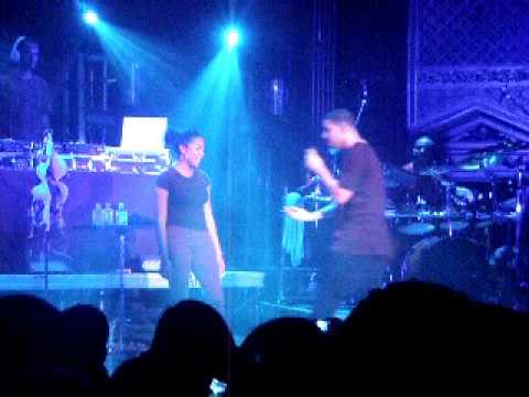 Drake Kissing & Hugging up on Underage Girl @ Ogden Denver Concert!!!