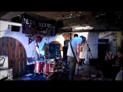Johnny Foreigner 'Live In London' // BeatCast Live Series Special
