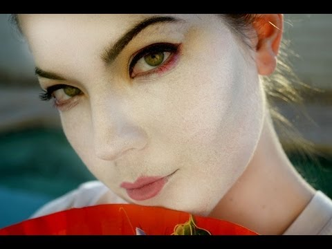 Halloween Tutorial: Modern Geisha Makeup *Easy* - YouTube