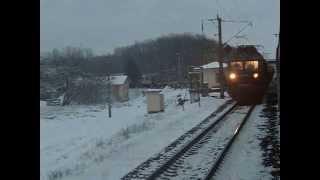 ВЛ80к-511 с грузовым отправляется из Нежина(перегон Нежин-Носовка, Черниговская область,ЮЗЖД., 2015-04-17T09:39:07.000Z)