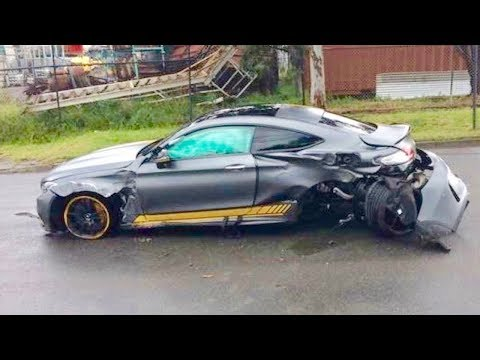 EXAMPLES STUPID DRIVERS WHO NEED DRIVING LESSONS! Driving Fails OCTOBER 2017