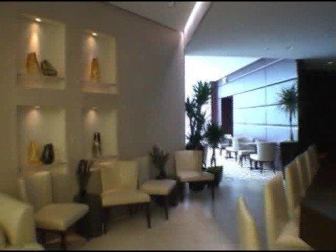 Another visit to Trump's amenities floor