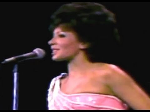 Shirley Bassey - SING (Sing a Song..Sing Out Loud)  (1976 Live in Melbourne - Song 1)