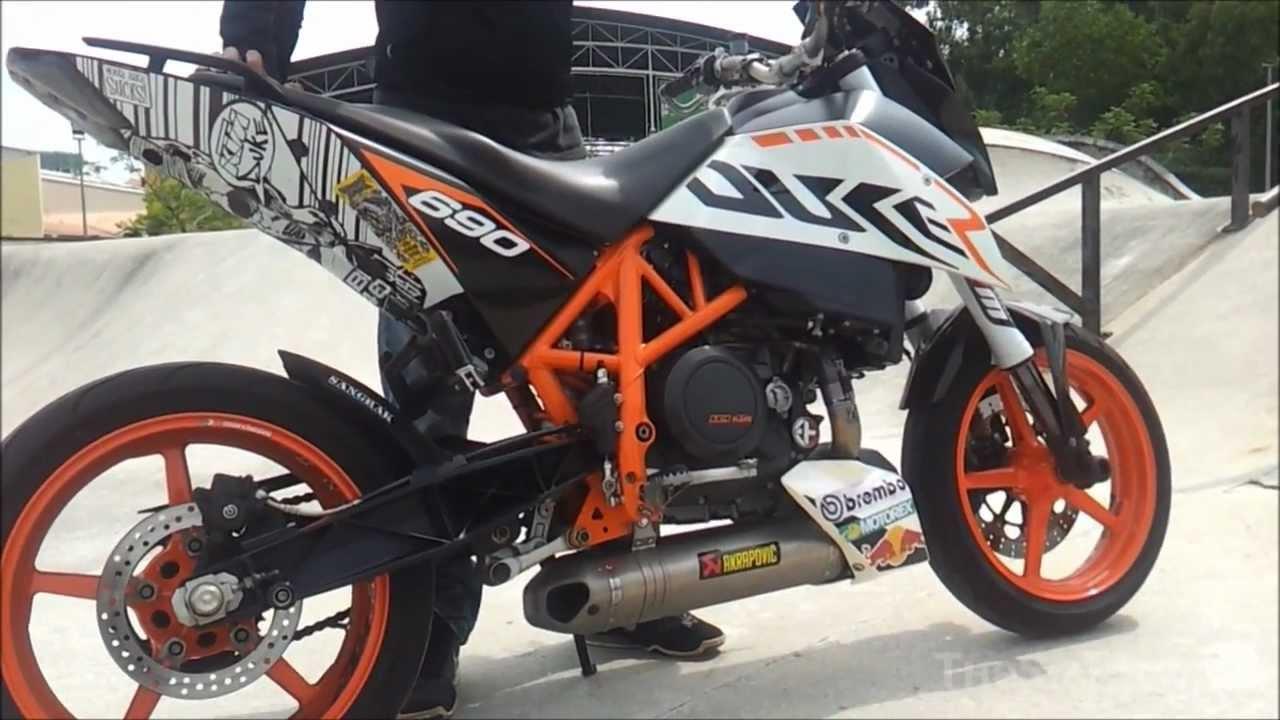 2011 KTM Duke 690 Akrapovic Full Race Exhaust - YouTube