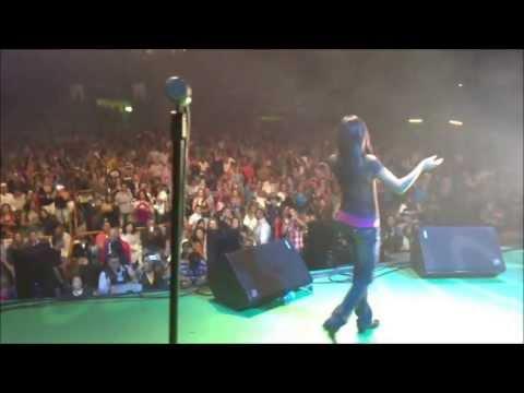 Que Hablen De Mi - Kamy Bongz - Concierto Hispanidad 2011 (Francy) thumbnail