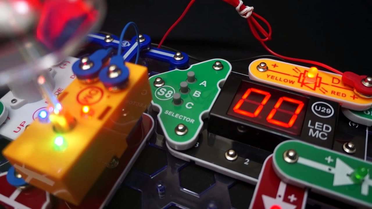 Snap Circuits Arcade Model Sca 200 Youtube Lights Electric Circuit Science Kit By Elenco