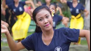 Teaching The Basic Balinese Dance Movement