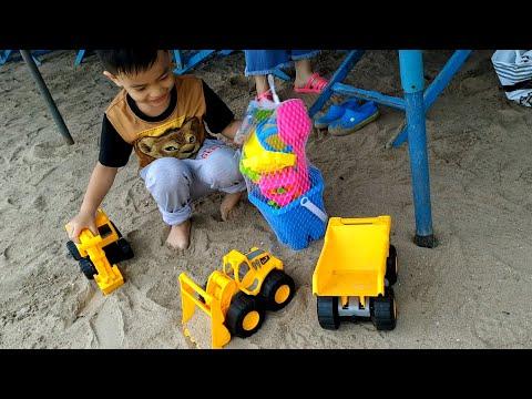 รถแม็คโคร รถตักดิน ไปตักทรายที่ทะเล Makro Drigger