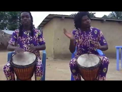 INSTRUMENT DE MUSIQUE TRADITIONNEL AFRICAINE  LE DJEMBE