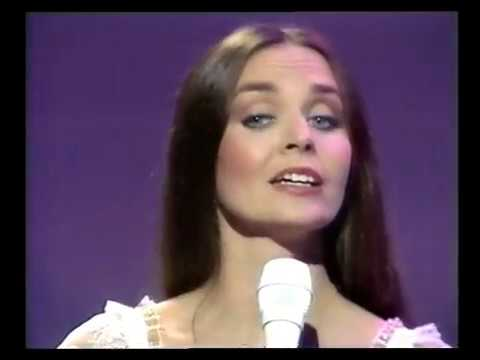 Crystal Gayle - He is beautiful to me