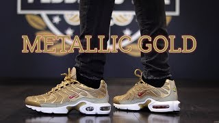 AIR MAX PLUS TN METALLIC GOLD ON FEET