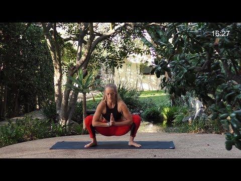 25 Min Expansive Yoga Practice // Vinyasa Flow