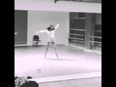 Phoebe Tonkin dancing