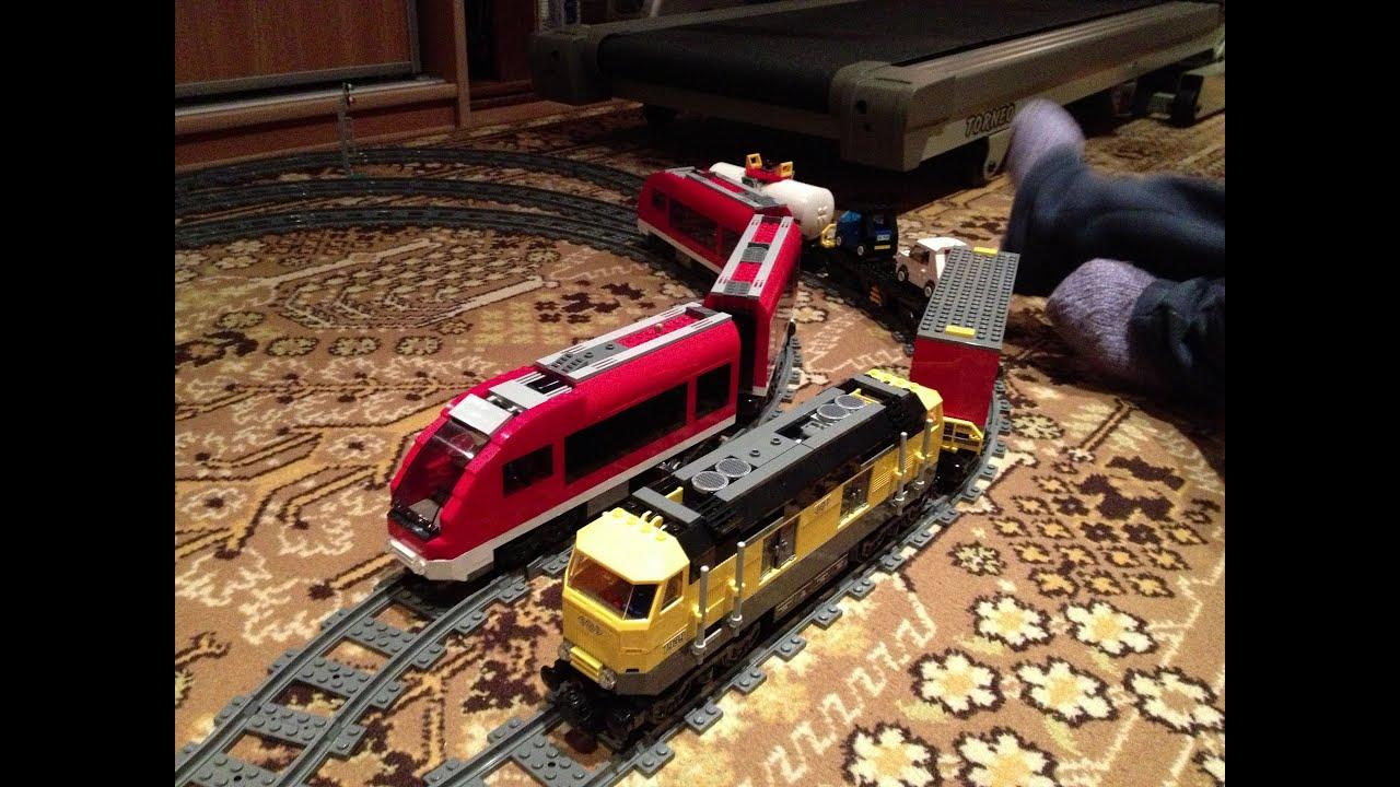 Железная дорога лего, железнодорожная станция, грузовой, пассажирский, товарный поезда и дополнительные рельсы для вашей коллекции.