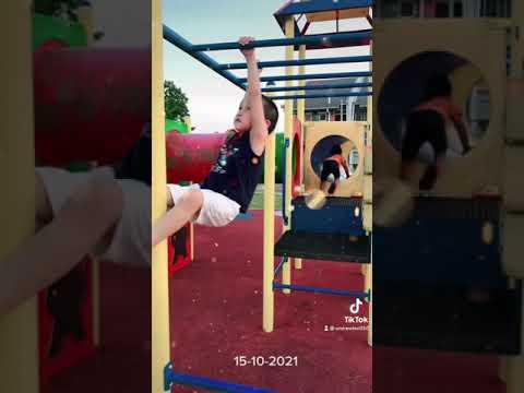体育锻炼培养孩子们热爱运动。