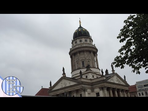 Berlin Konzerthaus and Currywurst | Food and Travel Vlog