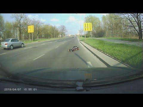 Zderzenie motocyklisty z jeleniem