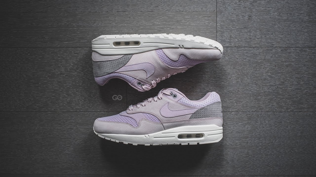 best service 135b7 24744 Review   On-Feet  NikeLab Air Max 1 Pinnacle
