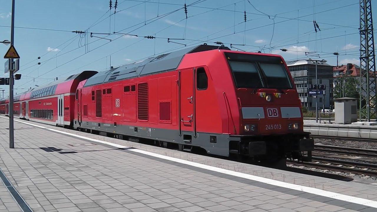 Ein sehr langer Südostbayernbahn-Zug: 9 DoStos mit BR 245 ...