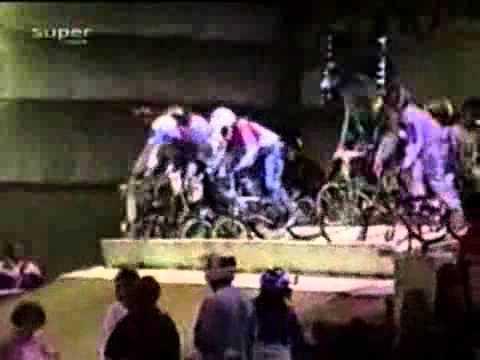 Video hài  Tai nạn cười rách mép   Cười 24H