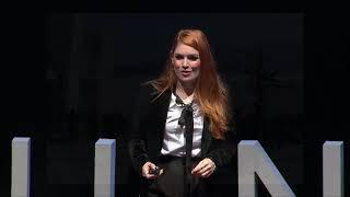 ¿Eres feliz o solo sonríes?   Regina Carrot   TEDxUANL