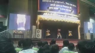 Allen sanskar mahotsav 2017 kota ! Dance battle between boy vs girl