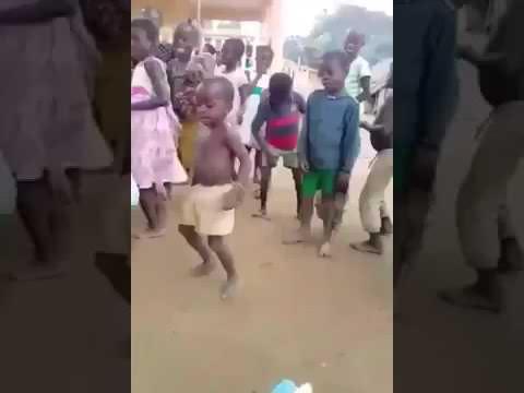 Little kid dancing of Africa  2018 top thumbnail