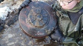 🔴  Девушка нашла мину в болоте ! Ледяные Раскопки по второй мировой
