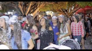 Repeat youtube video vuelta por la plaza 2016
