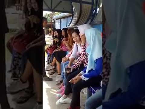Sungguh Melampau ! Lelaki Tampar Wanita Di Hentian Bas Kerana Tidak Bertudung
