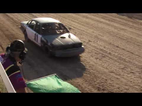 Wild Bill's Raceway Bomber Heat Race 9/2/17