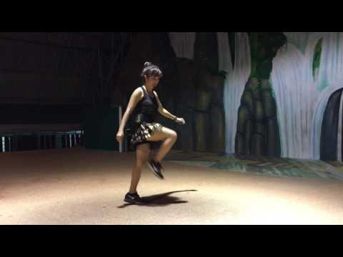 ครูนุ่นสอนเต้นไลน์แดนซ์