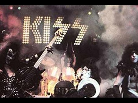 KISS Live At Cobo Hall,Detroit,USA 1976  [3D]