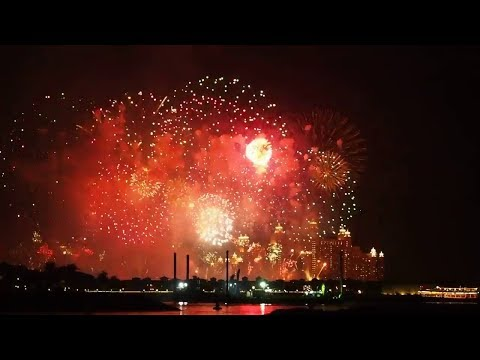 Dubai New Year 2018 Fireworks, Atlantis the Palm